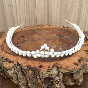 Semi-corona de pistilos blanco mate para novia
