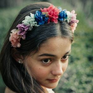 Diadema comunión niña de flores preservadas ideal ceremonia muy alegre y divertida para niña de arras o damitas de honor