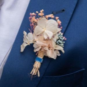 Prendido novio padrino flores preservadas