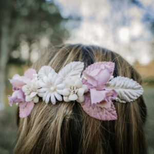 tiara comunión niña hojas y flores rosas y beige nacarado